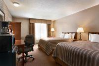 TravelodgeSimcoe-rooms.jpg